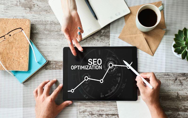 כיצד כתיבת תוכן תורמת לקידום אתרים?